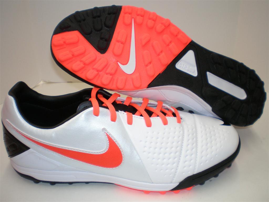 2948f4ec08538 Tênis Masculino Nike Ctr 360 Libretto Iii Tf Branco Total Carmesim ...