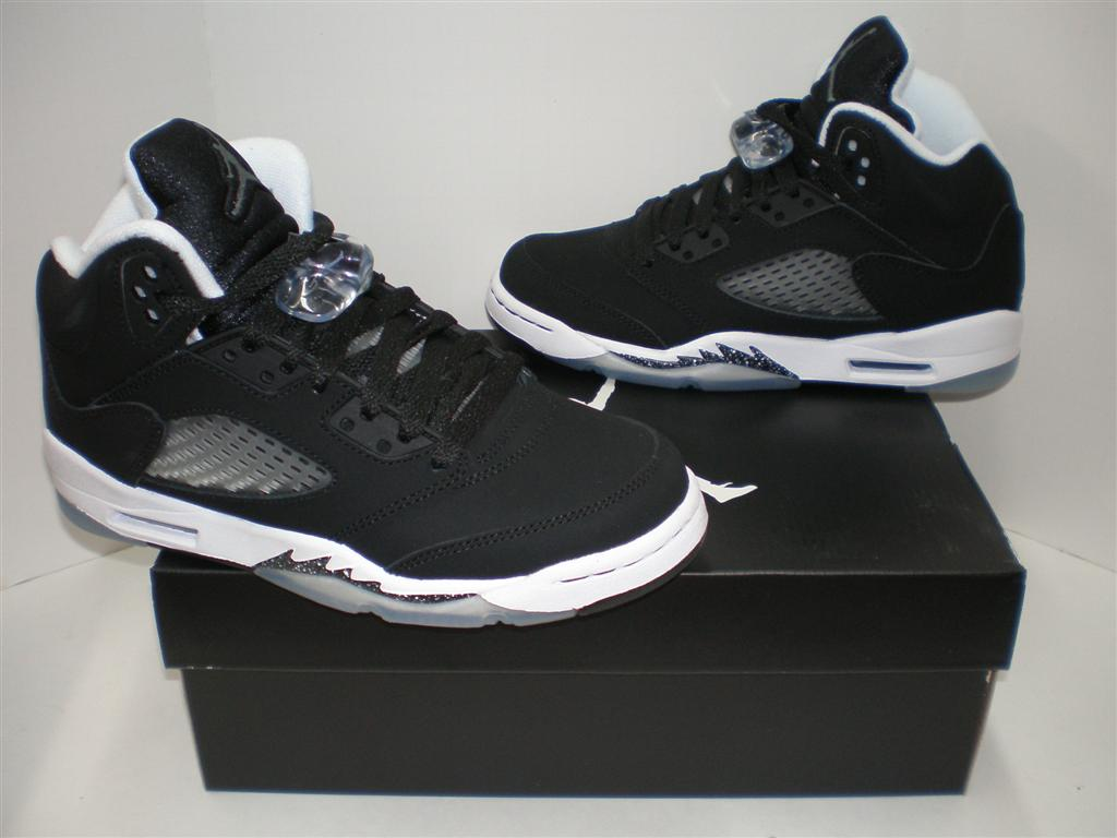 NIB Youth Nike Air Jor...