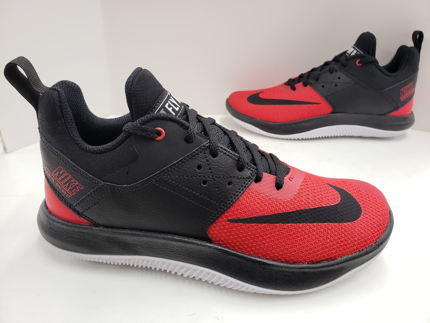 Mens Nike Basketball Fly.By Fly By Low