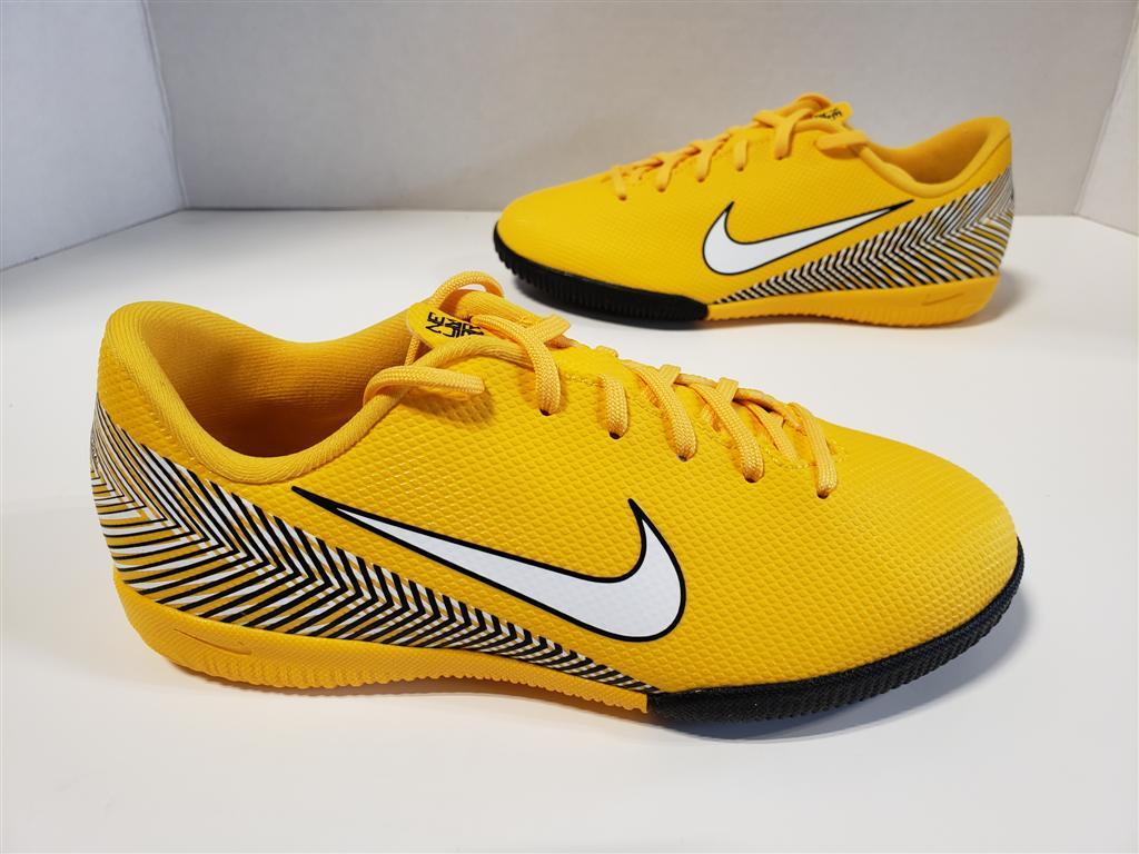 6202a4e63 NIB Nike Jr Vapor 12 Academy GS NJR Neymar Jr IC Amarillo White ...